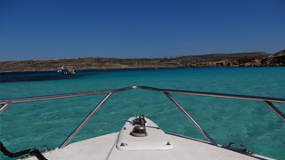 Ferry to Comino